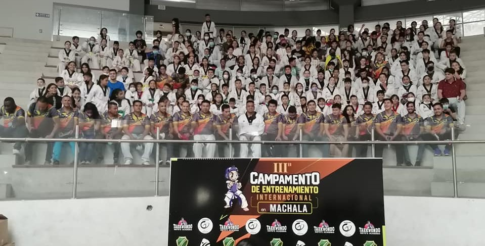 150 DEPORTISTAS EN EL CAMPAMENTO DE ENTRENAMIENTO  MACHALA 2021